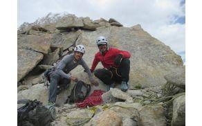 * Marko Mavhar je s soplezalcem Klemnom Žumrom v Himalaji preplezal prvenstveno smer.