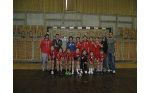 Mlajše deklice Rokometne šole Alena Mihalja , kategorije B, na finalnem turnirju