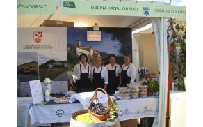 Aktiv kmečkih žena iz Levpe. Foto: Aleksander Štrukelj