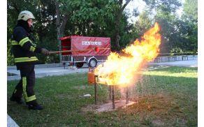 Če opazimo požar v naravi nemudoma obvestimo Center za obveščanje na tel številko 112. Foto: PGD Kanal