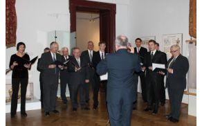 Dirigent zbora Igor Velepič ob 550 letnici nadškofije v Narodnem muzeju, foto: Narodni muzej Slovenije