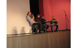 Pogovor s filmskimi ustvarjalci je vodila Lea Širok. Foto: arhiv KD Svoboda Deskle