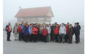 Kljub mrazu se je na pohod odpravilo 41 Svizcev