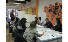 Udeleženci tečaja v MC Sevnica. (Foto: Mojca Švigelj)