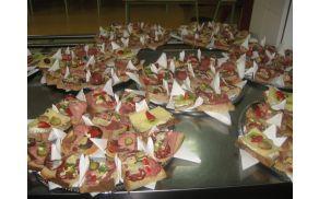Priprava obloženih kruhkov