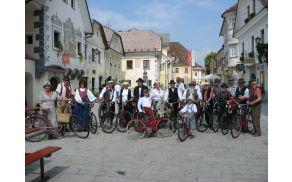 Revija starih koles