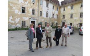 Predaja ključa Gradu Dvor preddvorskemu županu (foto Media butik)