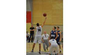 Met za žogo je izvedel Jani Močenik, udeleženec specialne olimpiade v košarki v Minnesoti.