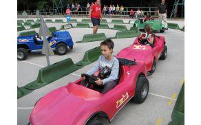 Pri osnovni šoli so 9. septembra izvedli program prometne varnosti Jumicar, ki otroke poučuje, kako se vesti v prometnem okolju, tako da so postavljeni v vlogo voznika in doživljajo dogodke, kot jih opaža in zaznava voznik v pravem prometu.
