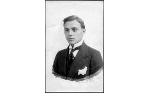Julijan Kenda, letalec avstroogrske vojske, rojen v Bovcu. Vir: Spletna knjižnica Europeana