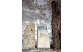 Železniški kamen s km 587,4