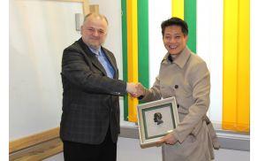 Župan se je gostom iz Kitajske zahvalil za obisk in sodelovanje z željo, da se bo v prihodnjih letih še poglobilo. Foto: Nataša Hvala Ivančič
