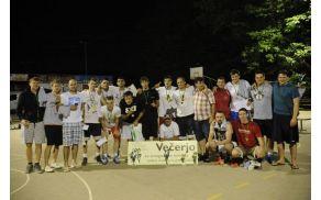 Vsi zmagovalci 22. turnirja trojk v DT. (Foto: KK Dolenjske Toplice)