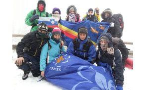 Klanovci v snežnem metežu na Veliki planini