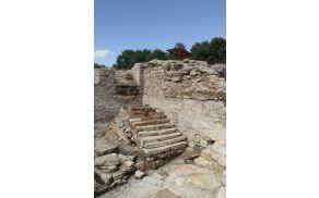 Arheološka izkopavanja na Piramidi