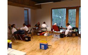 Odvzem krvi v Mladinskem centru v Palah