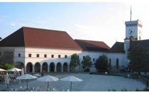 Ljubljanski grad sedaj z zimskim obratovalnim časom. Foto: Wikipedia.