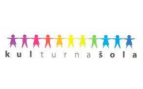 """Logo """"KULTURNA ŠOLA"""" je viden tudi na zastavi ..."""