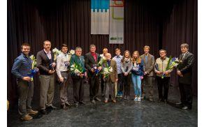 Župan Občine Tržič mag. Borut Sajovic z letošnjimi občinskimi nagrajenci (foto Luka Rener)