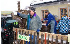 Vojniški vinogradniki so se letos 9. predstavili na pustnem karnevalu.