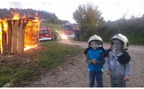 režiran in nadzorovan požar - fotografija pove vse :)