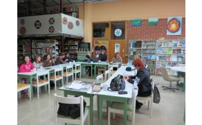 Popoldansko srečanje v šolski knjižnici