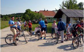 TD Menišija drugo nedeljo v juniju organizirano kolesari po meniševski kolesarski poti.