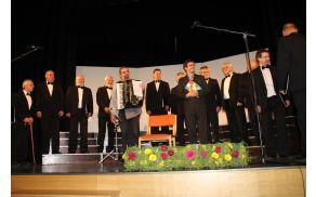 Revija pevskih zborov Zgornjega Posočja 2014. Foto: Nataša Hvala Ivančič
