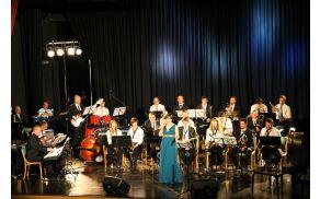 Jazz Punt Big Bandu se je pridružila Tanja Srednik. Foto: Nataša Hvala Ivančič