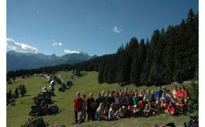 Kot že vrsto let je prva tura skupna, letos smo se podali do planine Zajamnik