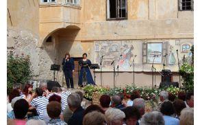 *V imenu Občine je prisotne pozdravila Mojca Skale, direktorica vojniške občinske uprave.