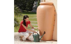 Nadzemna cisterna za vodo je lahko okras.