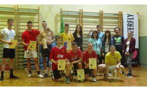 Najboljši nogometaši s prostovoljci MC, foto Neža Florjanc.