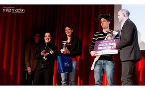 Nominiranki in zmagovalec Kristjan Medvešček. Foto: Mitja Madon