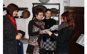 Nagrajenci so prejeli knjižne nagrade. Foto: Nataša Hvala Ivančič