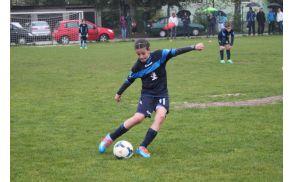 * Osnovnošolka Nina Kajzba je začela aktivno igrati nogomet pri sedmih letih.