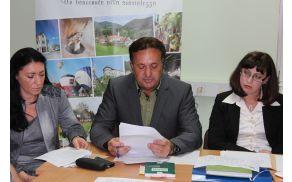 Mag. Miran Pritekelj, predsednik OVK, podaja poročilo.