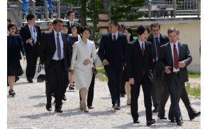 Japonski cesarski par je gostil župan Franc Kramar, pridružila sta se tudi Klemen Langus in Boštjan Mencinger. Foto: Roman Pekovec