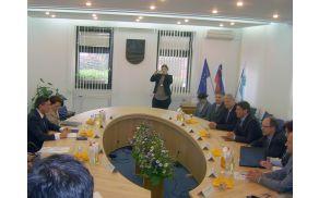 Predsednikov prvi delovni sestanek v občini.