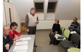 Predsednik društva France Prešeren Vojnik Tomo Gorenšek podaja poročilo o delu.