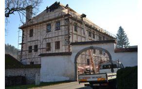 Obnova Polhograjske graščine