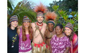 Študenjte medicine na odpravi v Papua Novi Gvineji. Foto: ŠOU-LJ.