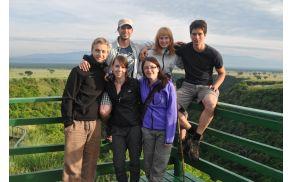 Člani odprave. Zgoraj: Boštjan, Nika, Nejc, spodaj: Rok, Petra, Tinka. Foto: Odprava Uganda