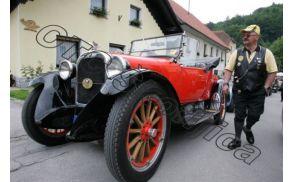 19. vseslovensko srečanje oldtimerjev s postankom v Grosupljem
