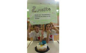 Proslavljanje drugega mesta naših učenk (foto: Barbara Trnovec)