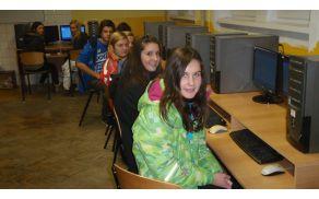 Tako na Slovaškem kot v Sloveniji smo kar nekaj časa preživeli v računalniški učilnici.