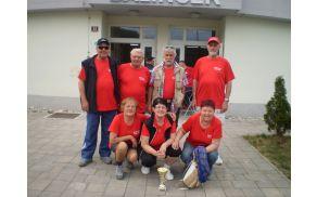 Moška in ženska ekipa iz Društva invalidov Slovenj Gradec