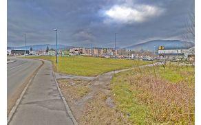 Mesto v Sinji Gorici kjer naj bi zgradili parkirišče »Parkiraj in pelji« (Park & Ride).