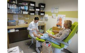 V Studiu jablana vam pomagajo ohraniti stopala lepa in zdrava.