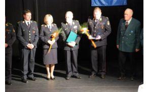 PGD Mokronog je prejelo zlato plaketo Civilne zaščite v Semiču. (foto: radiokrka.com)